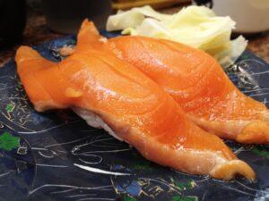 回転寿司サーモン